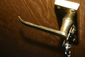 metal-door-handle